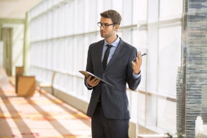 Zaledwie 3,5 proc. specjalistów i menadżerów jest bez pracy