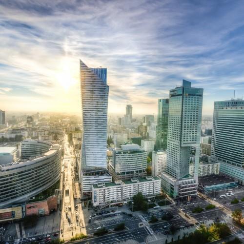 Warszawa gospodarczym motorem Europy Środkowo-Wschodniej. Przyciąga coraz więcej inwestorów