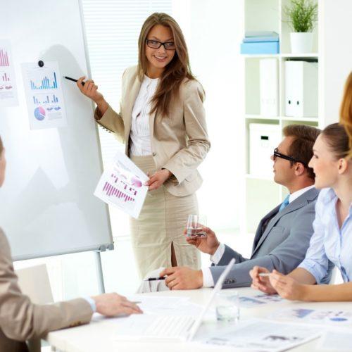 Firmy uczą się zarządzać pracownikami różnych płci, narodowości i w różnym wieku