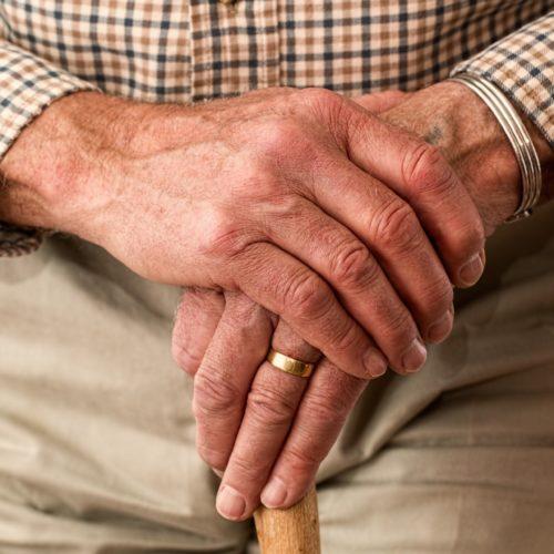 Od października prawo do emerytury w obniżonym wieku zyska ponad 330 tys. Polaków
